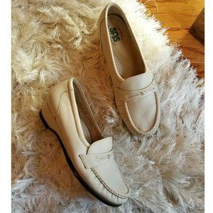 SAS Shoes Tripad Easier Slip on Loafer cream